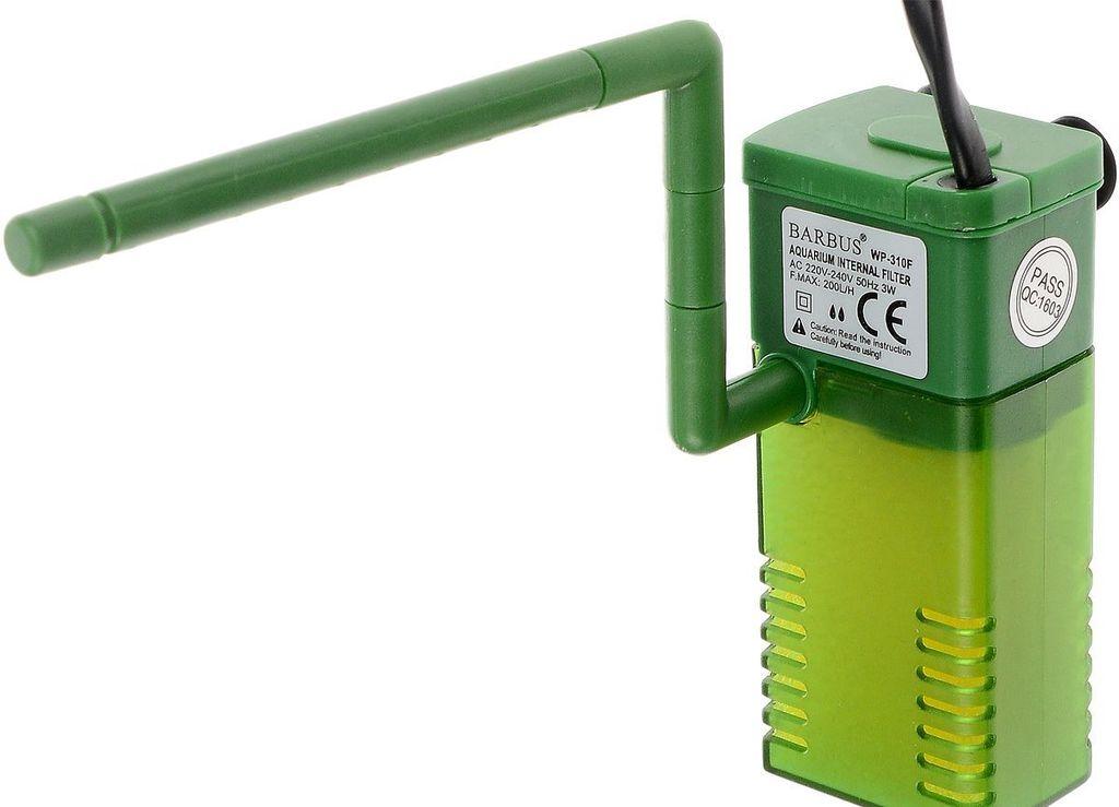 Внутренний фильтр, состоящий из мотора, насоса и губки