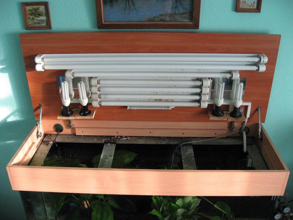 Самодельная крышка позволяет подобрать правильный размеры и разместить нужное количество ламп