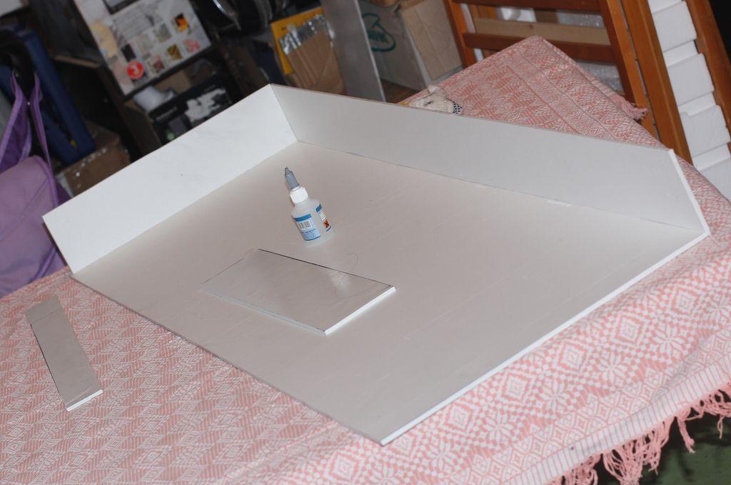 Сборка и склеивание конструкции должно проводиться в проветриваемом помещении